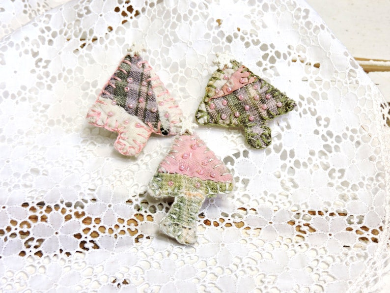 Primitive Tree Scatter Pins Beaded Pink Green Mini Artisan Patchwork Quilt Textile Fiber Art Brooch Tiny Ornaments Set of 3 itsyourcountry