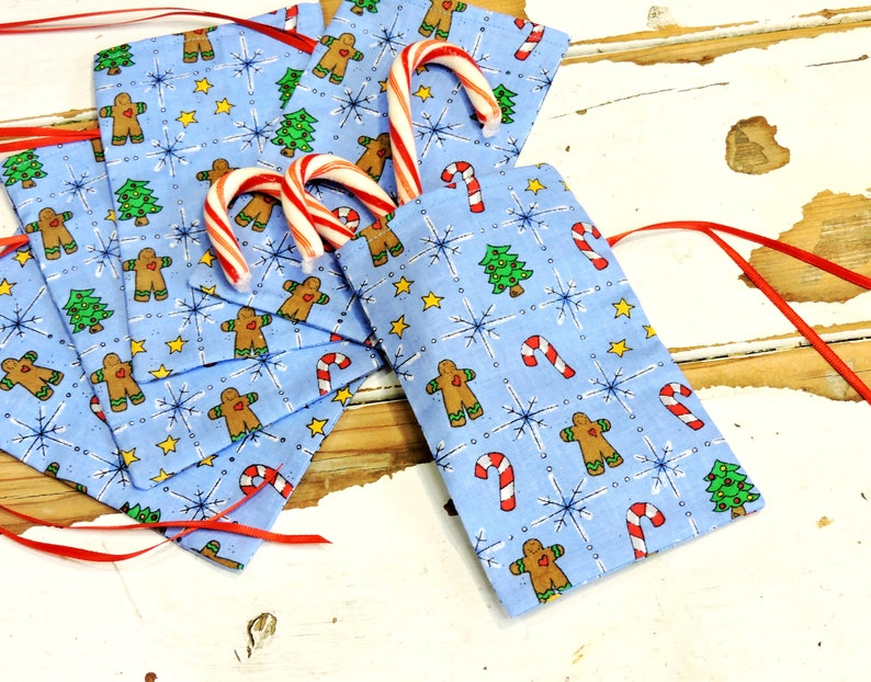 5 Christmas Fabric Gift Bags Holiday Treat Bags Party Favor Sacks Keepsake Pouch Gift Card Holders Reusable Gift Wrap itsyourcountry