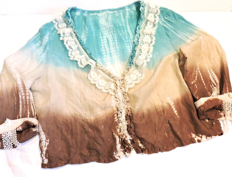 Ladies Silky Tie Dye Crinkle Blouse Turquoise Beige Brown Front Button Top Sz Medium Lace Embellishment Altered Couture itsyourcountry