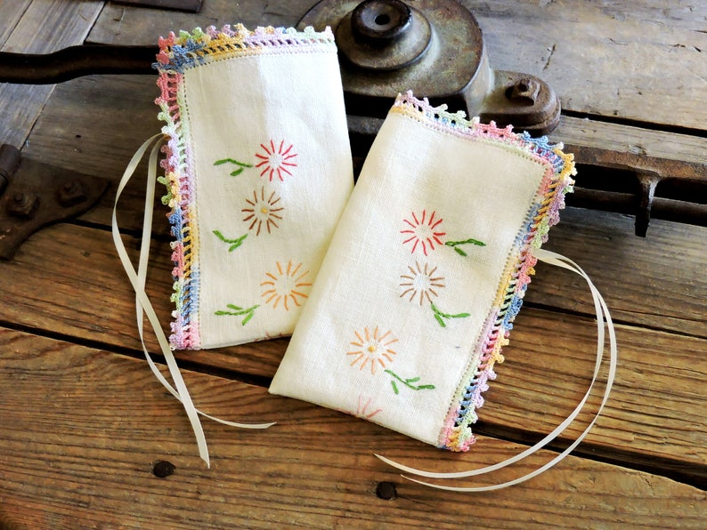 Vintage Embroidered Textile Fabric Bags Linen Gift Wrap Pouches Sachet Bags Travel Jewelry Bag Bridesmaid Gifts Reusable itsyourcountry