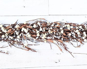 White Berry Garland, Modern Farmhouse Décor-Table Runner-Wedding Décor-Garland-Kitchen Cabinet Décor-Fireplace Mantel-Home Décor-Weddings
