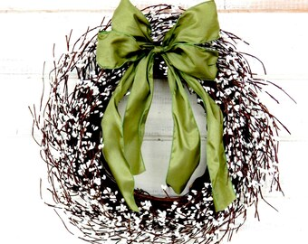 Christmas Wreath-Winter Wreath-Holiday Home Decor-Wedding Decor-Gift-WHITE Berry Wreath-Housewarming Gifts-Wedding Gift-Country Chic Decor