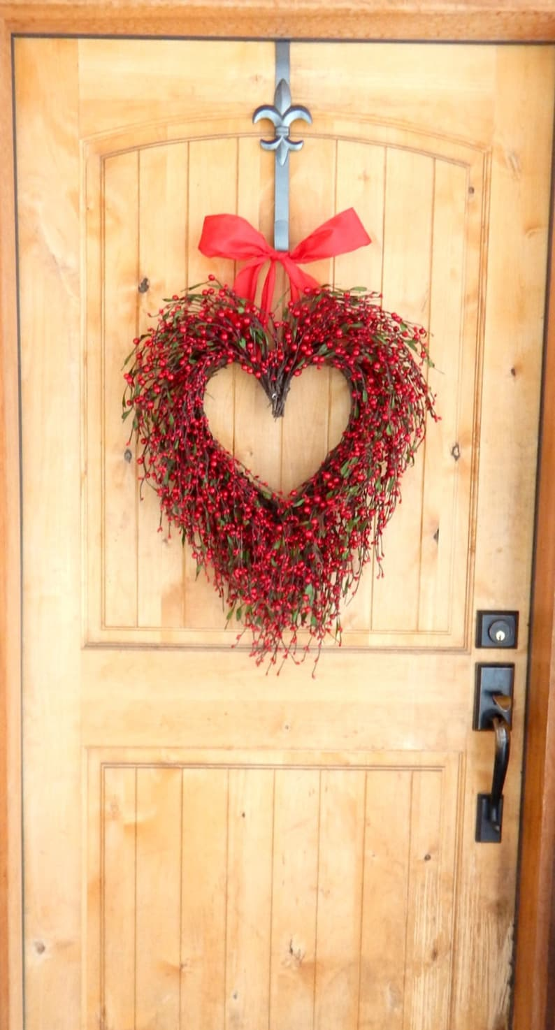 READY to SHIP-Valentines Wreath-Valentines Day Decor-Red Heart-Wreath-Valentines Day Gift Wreath-Anniversary Gift-Weddings