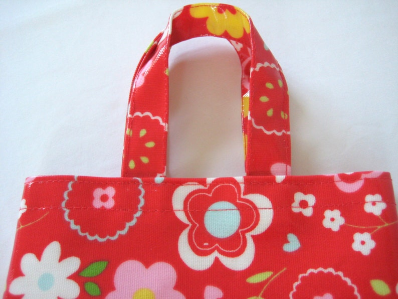 Small Oilcloth Bag Tote Bag, Child/'s Red Floral PVC Bag
