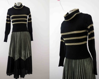 70s Fitted Black Gold Lurex Stripe Jumper Sweater Pullover Cowl Neck