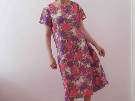 Vintage 70s Retro Pink Purple Shift Dress Medium