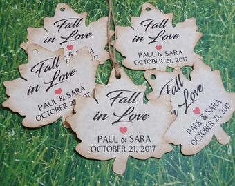 Leaf Shaped Fall in Love favor tags, Fall wedding favor tags,custom personalized tags/party favor tags/autumn wedding thank you tags