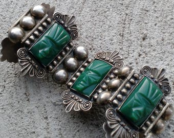 """Vintage Mexico Silver and Green Onyx Relief Aztec Mayan 7.5"""" Panel Link Bracelet"""