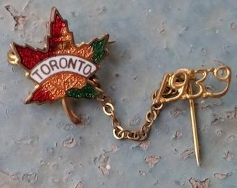 Vintage 1939 Enamel Toronto Canada Maple Leaf Pin w Chain and Year WWII era