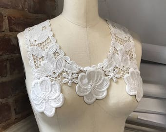 LACE COLLAR TRIM - white floral Vintage antique deco with embroidery feel