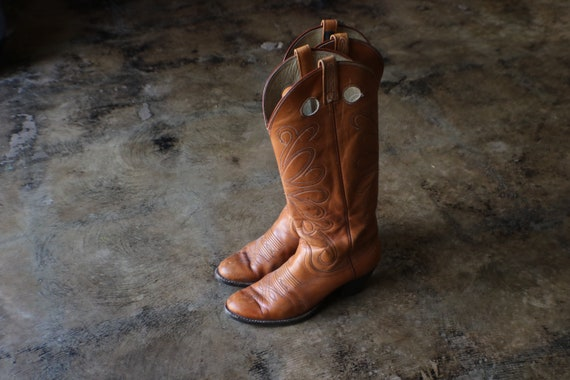 9 1/2 Women's Cowboy Boots / Honey Brown Western B
