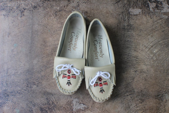6 1/2 W Southwest Loafers / Vintage Beaded Moccasi
