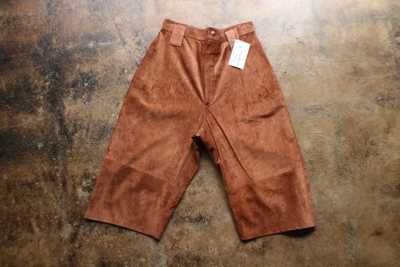 short brun en daim taille haute vintage