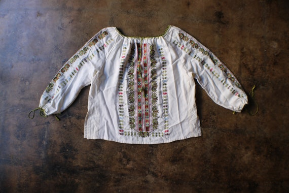 Embroidered Blouse / Vintage Peasant Blouse / Cott