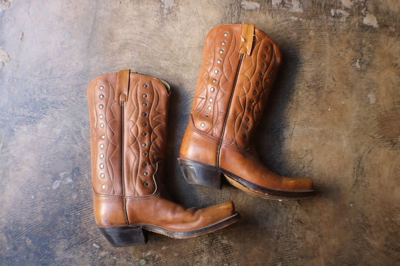 b9fc8b1bf5f 7 1/2 D / Acme Cowboy Boots / Women's Size 9 / Vintage Western Boots /  Brown and Gold True Vintage Boots