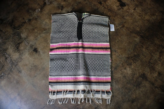 Vintage Poncho / Open Side Unisex Poncho / Mexican