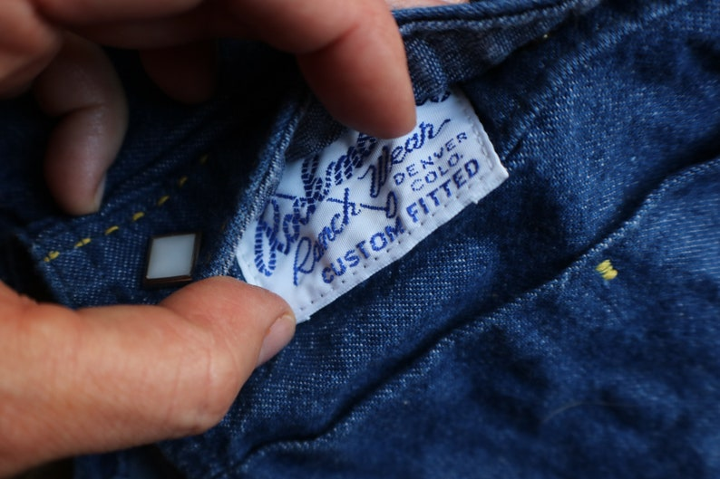 Denim Shirt  Sleeveless Women/'s Ranch Wear  Vintage Medium Wash Snap Shirt