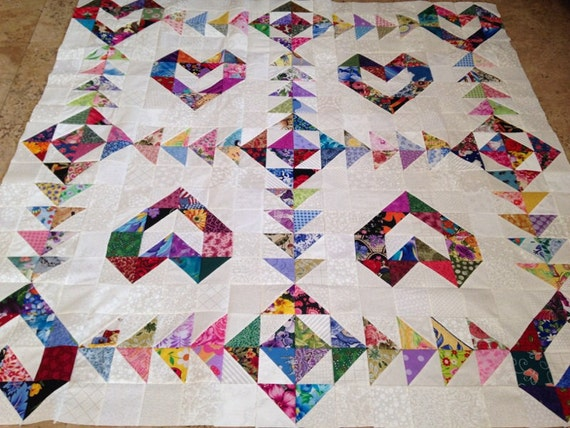Gorgeous SCRAPPY Love Hearts Quilt TOP 100/% Cotton Fabric Made in *USA*