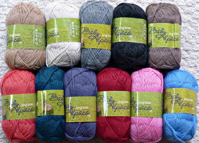 c1a4635f994c6 Womens Knitting Pattern K4366 Ladies Long Raglan Sleeve Lacy