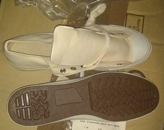 3a3472a3142a Converse PF Flyers Army sneakers vintage natural white Gymnasium size 13  1 2 nos with authentic papers