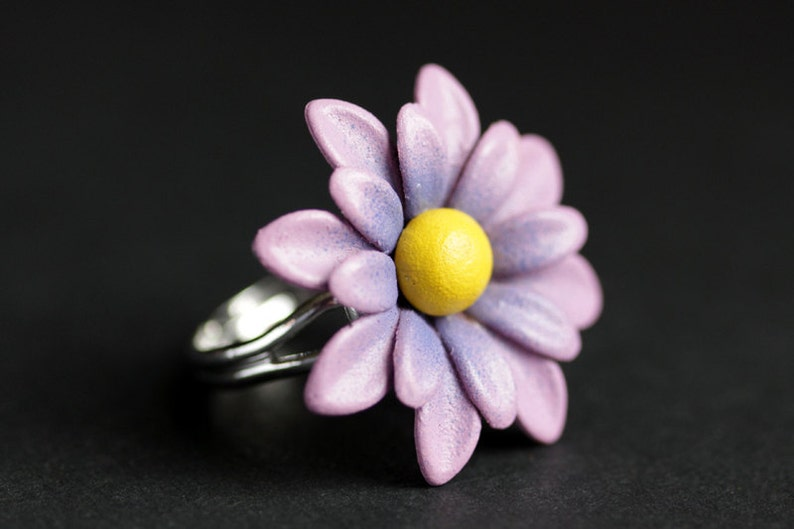 Daisy Ring. Metal Daisy Flower Ring in Pink Purple Orange image 0