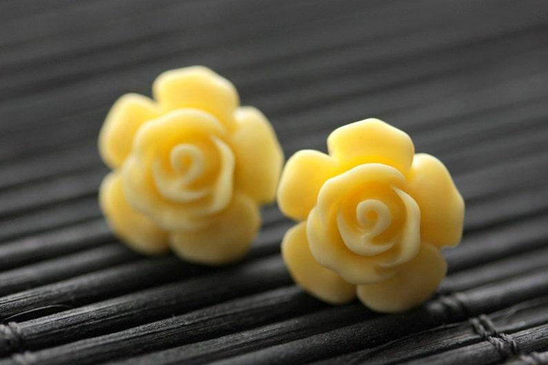 Butter Yellow Flower Earrings. Yellow Earrings. Gardenia image 0
