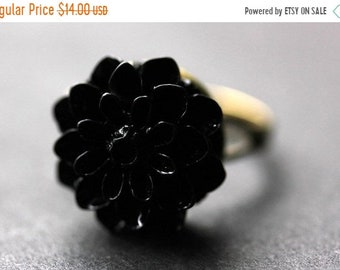 SUMMER SALE Black Mum Flower Ring. Black Chrysanthemum Ring. Black Flower Ring. Adjustable Ring. Handmade Flower Jewelry.