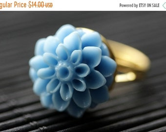 SUMMER SALE Cornflower Blue Mum Flower Ring. Blue Chrysanthemum Ring. Blue Flower Ring. Adjustable Ring. Handmade Flower Jewelry.