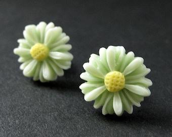 Green Sunflower Earrings. Meadow Green Flower Earrings in Bronze. Stud Earrings. Handmade Jewelry.