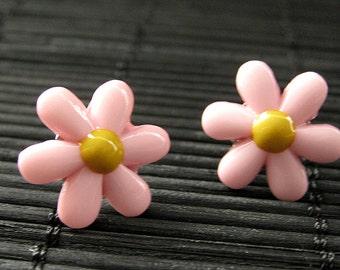Flower Earrings. Pink Flower Earrings. Daisy Flower Earrings. Silver Post Earrings. Stud Earrings. Flower Jewelry. Handmade Jewelry.