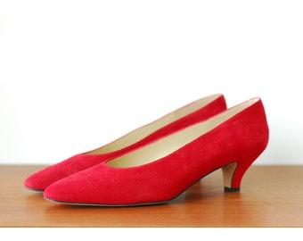 ef7d7a53f28cd 90s kitten heels 8   Etsy
