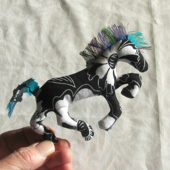 NEW! Pretty Little Horse ~ BW Fabric Pin Ornament Mobile ~ Ready to Ship!