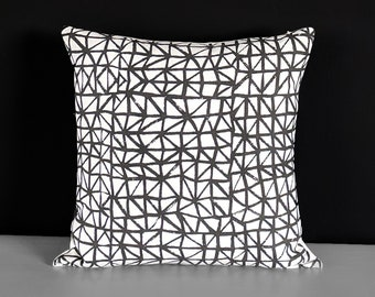 Black White Triangles Pillow Cover