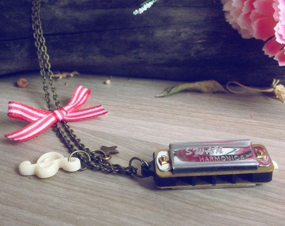 Harmonica Vintage necklace. Music necklace. Original gifts, Real Mini Harmonica vintage chain, music charm, jewelry music note necklace