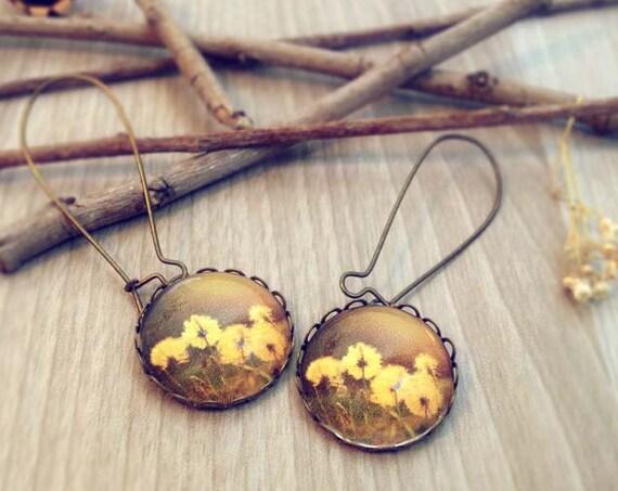 Vintage flowers earrings. Photography Earrings inspired by Nature. Boho chic brown Chocolate yellow earrings, women gift, botanical earrings