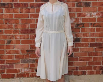 fd5816bbc2f Vintage 1970s JCPenney Fashions Off White   Cream Long Sleeve Lace Fit and  Flare Dress with Belt
