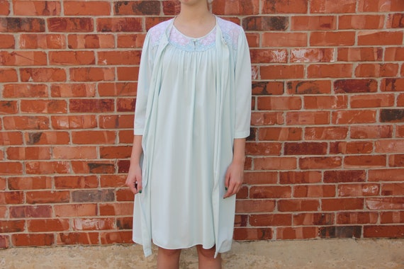 2f0339556d Vintage 1960s LORRAINE Baby Blue Lace Nightgown Dress Robe