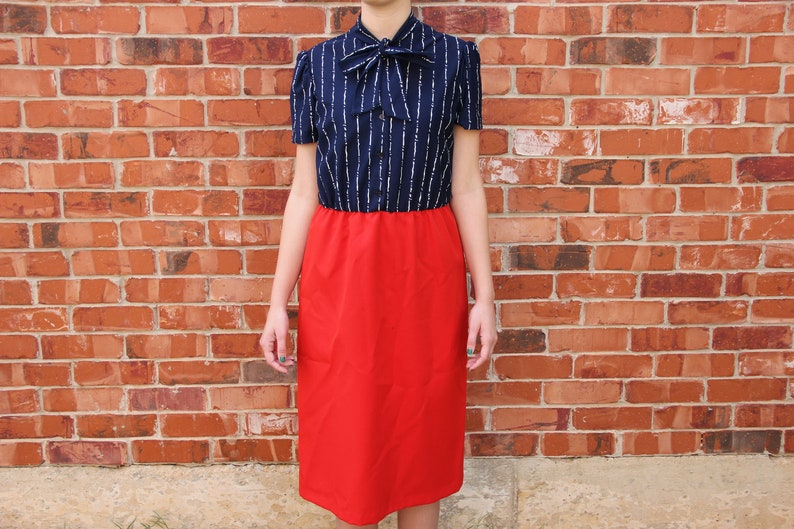 87045988f Vintage 1970s ITEMS California Red   Navy Blue Fit