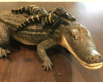 Large Rubber mama alligator with babies on back Toy Vintage