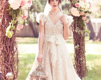 Antique Beige Lace & Tulle Wedding Dress