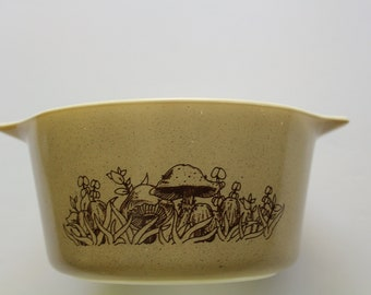 Vintage Pyrex Forest Fancies Mushroom Cinderella Bowl Brown pyrex dish labeled 473 B 1 Liter 6.5 inches wide 1970/'s