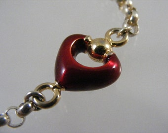 Vintage Red Enameled Heart Bracelet in Sterling Silver.....  Lot 4441