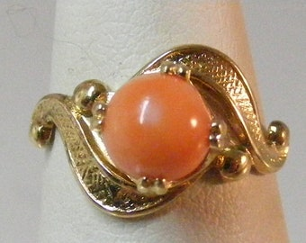 Vintage Salmon Coral Gold over Sterling Silver Ring.....  Lot 5882