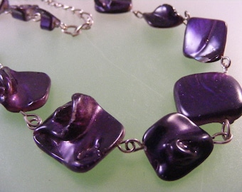 Vintage Purple Mother of Pearl Necklace..... Lot 4633