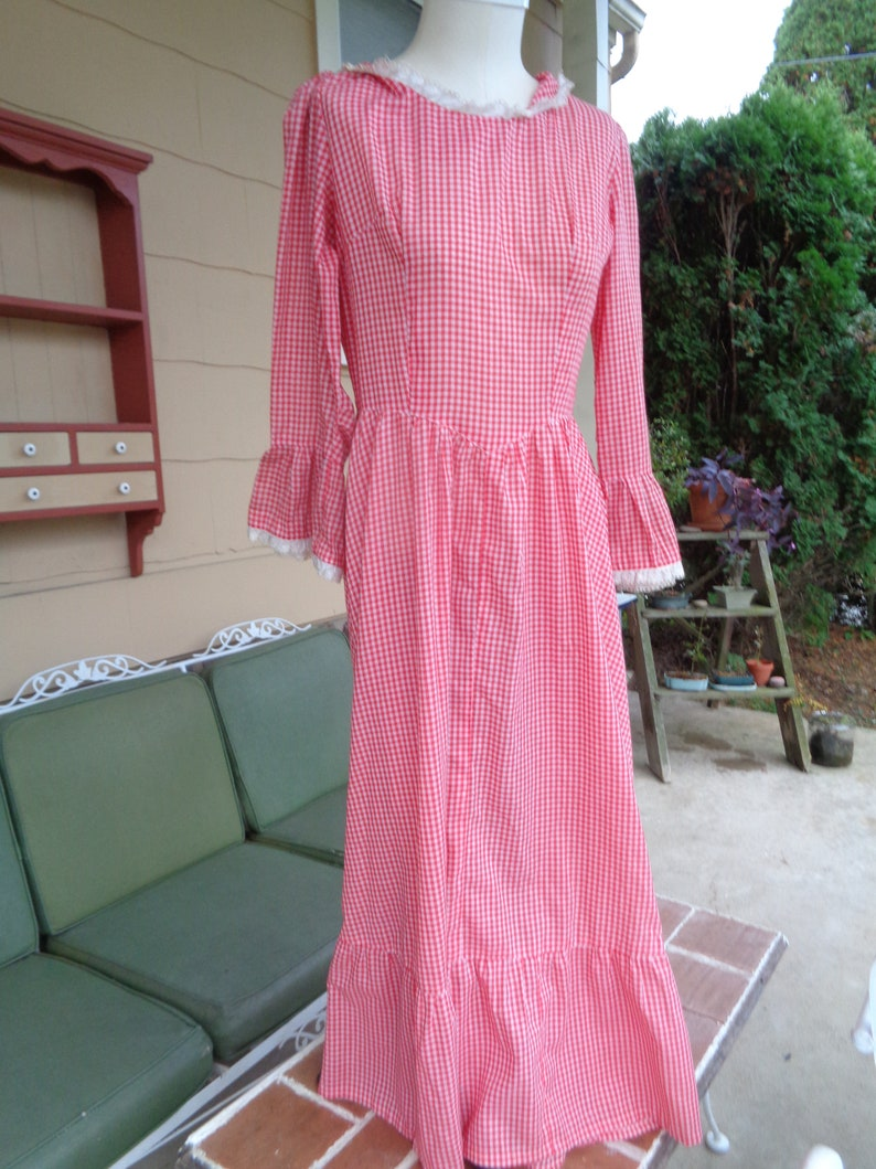 vintage women/'s gingham dress 1960-70/'s red Halloween Prairie dress costume
