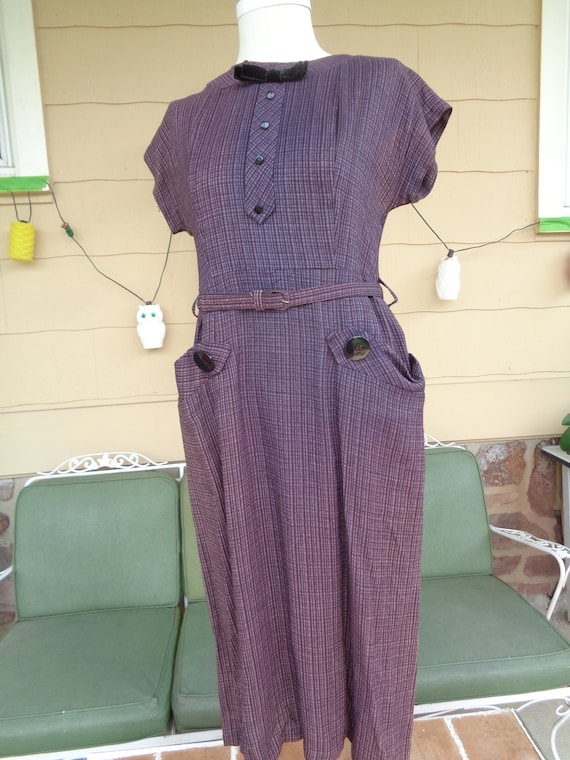 Vintage women's 1940's day dress frock clothing ro