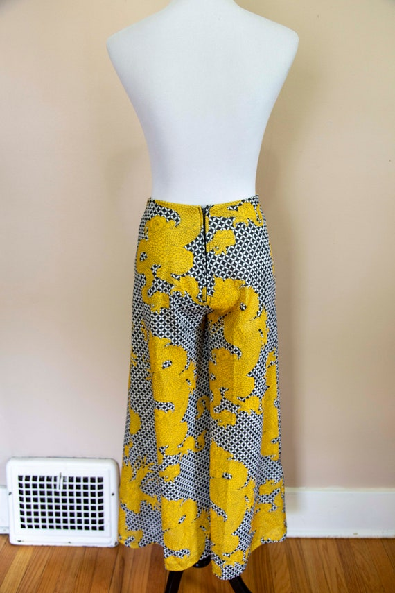 70s Psychedelic Black and Yellow Dragon Print Hig… - image 6