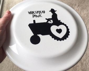 Love Tractor Frisbee!! Widespread Panic!