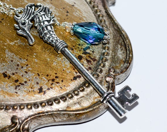 Seahorse Key Necklace - Peacock Blue / Silver