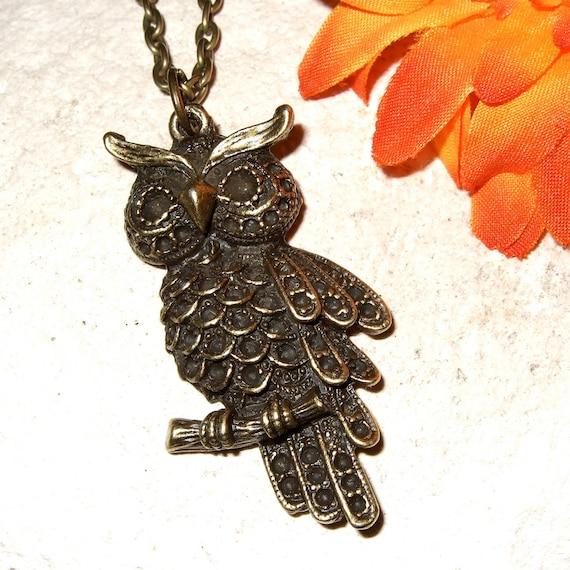 Owl Necklace, Simple Owl Pendant, Woodland Jewelry, Bronze Owl Charm, Textured Owl, Everyday Jewelry, Woodland Necklace, Bronze Bird Jewelry